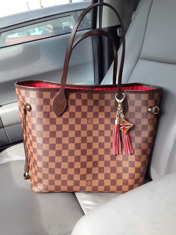 tPF Member: Designer1 Bag: Louis Vuitton Neverfull Tote Shop similar styles via Louis Vuitton