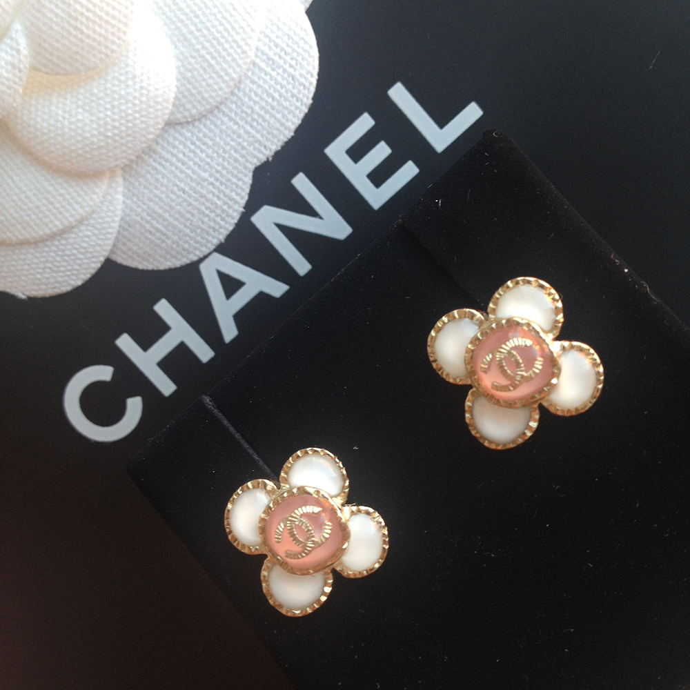tPF Member: Maya_Fechtberg Earrings: Chanel Earrings