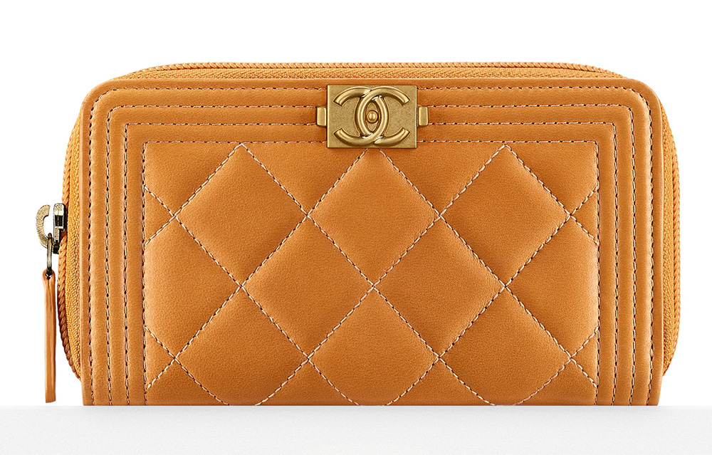 Chanel-Boy-Zipped-Wallet-700