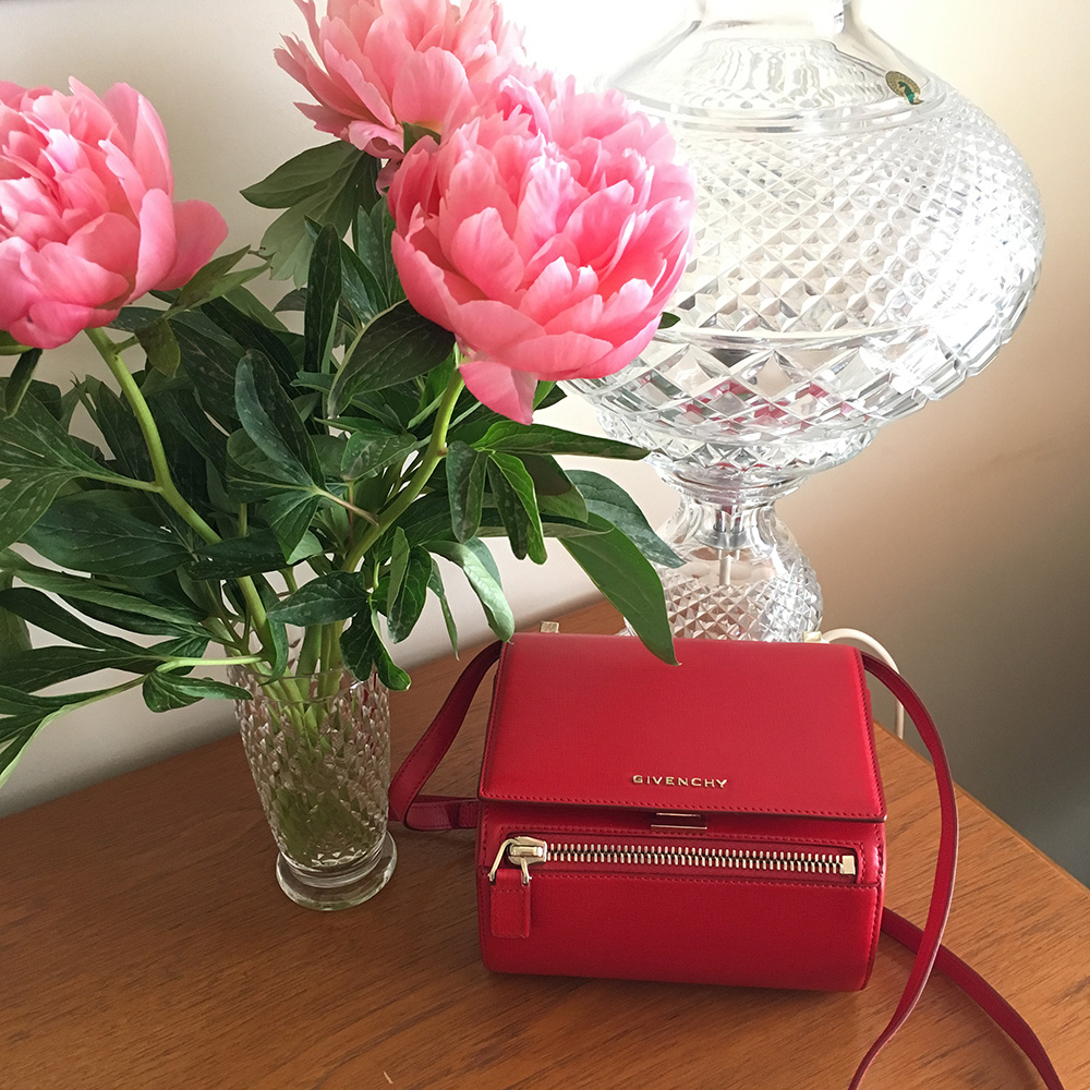 tPG Member: Daisley Bag: Givenchy Pandora Box Mini Chain Shoulder Bag  Shop: $1,995 via Neiman Marcus
