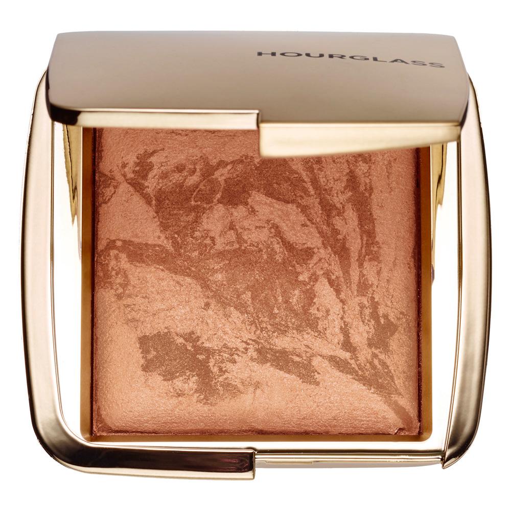 Hourglass-Ambient-Lighting-Bronzer-in-Luminous-Bronze-Light