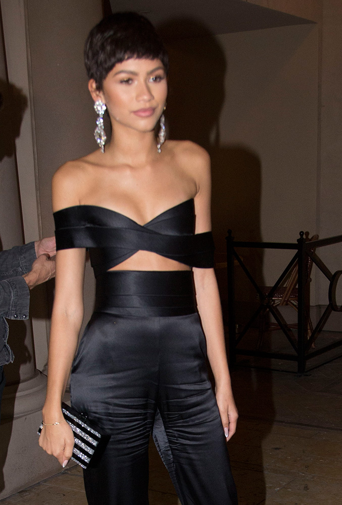 Zendaya-Edie-Parker-Jean-Striped-Clutch