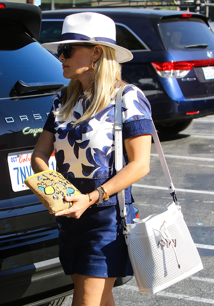 Reese-Witherspoon-Proenza-Schouler-Perforated-Bucket-Bag