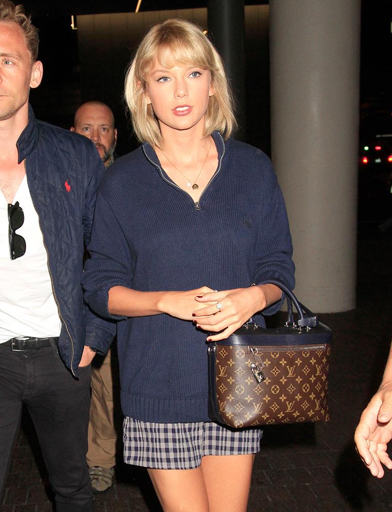 Taylor-Swift-Louis-Vuitton-Cruiser-Bag