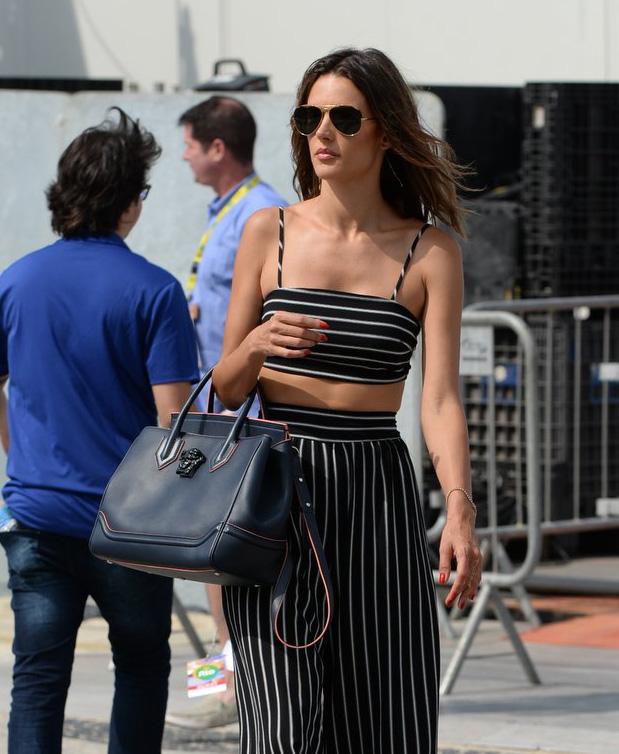 Alessandra-Amborsio-Versace-Palazzo-Empire-Bag