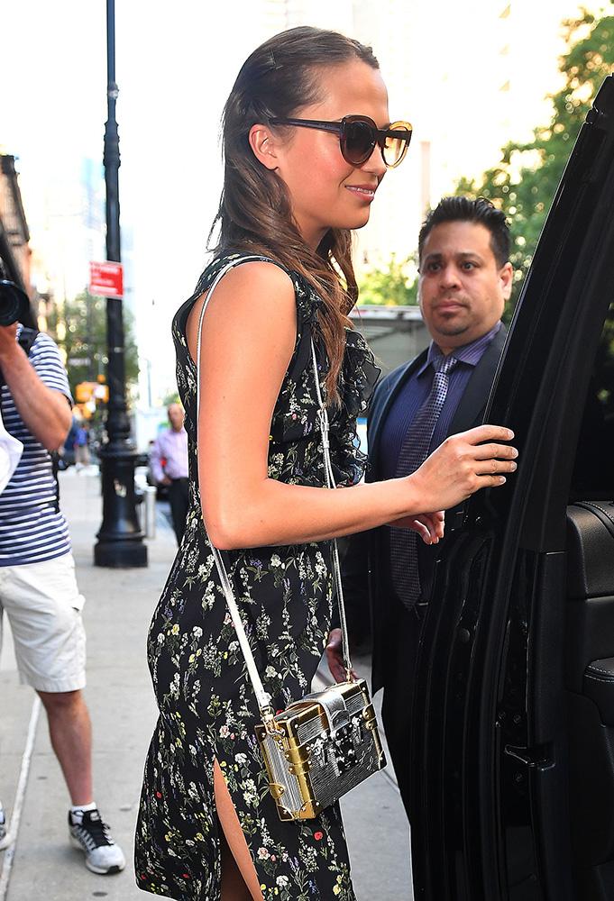Alicia-Vikander-Louis-Vuitton-Petite-Malle-Bag