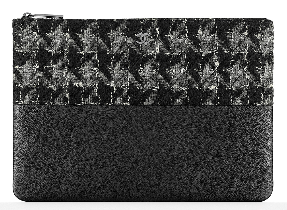 Chanel-Tweed-and-Leather-Pouch-675