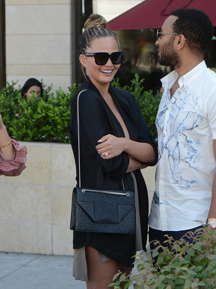 Chrissy-Teigen-Saint-Laurent-Betty-Bag