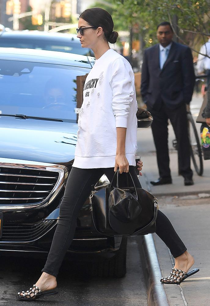 Lily-Aldridge-Givenchy-Antigona-Bag-1
