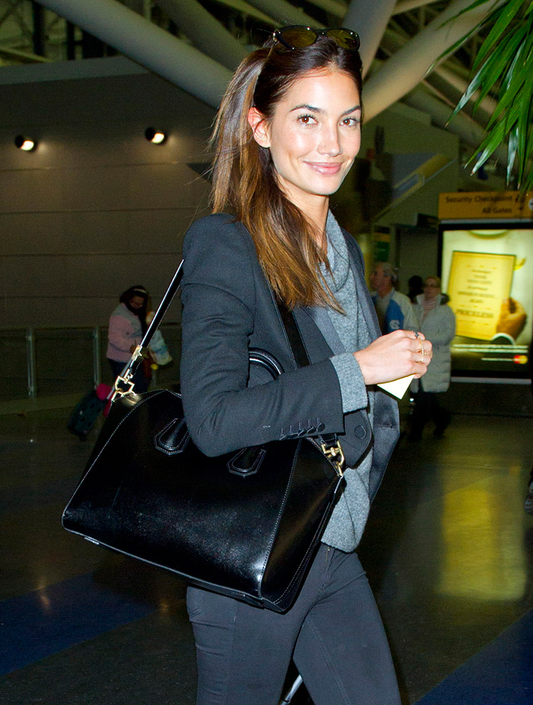 Lily-Aldridge-Givenchy-Antigona-Bag-2