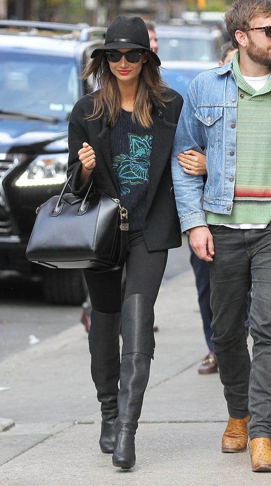 Lily-Aldridge-Givenchy-Antigona-Bag-8