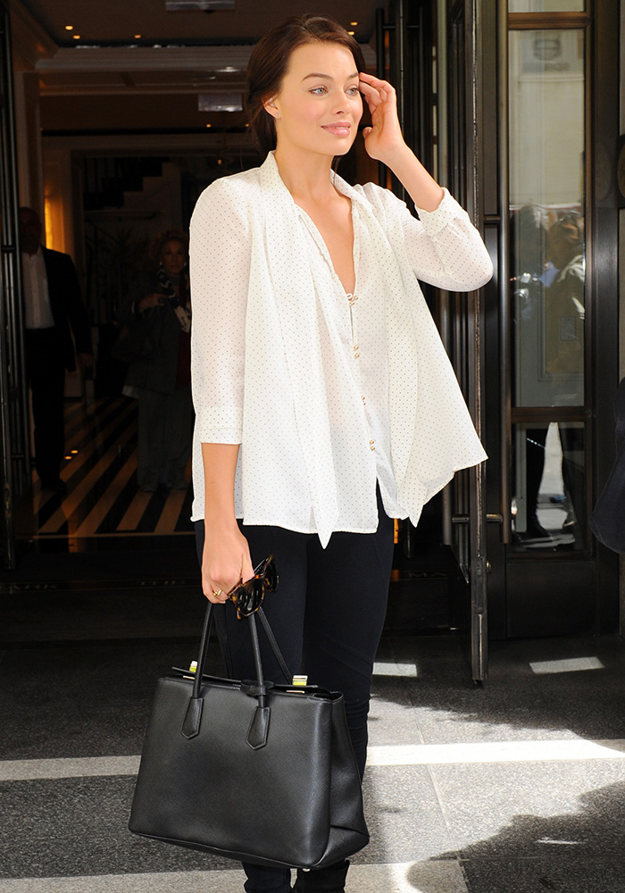 Margot-Robbie-Prada-Twin-Tote