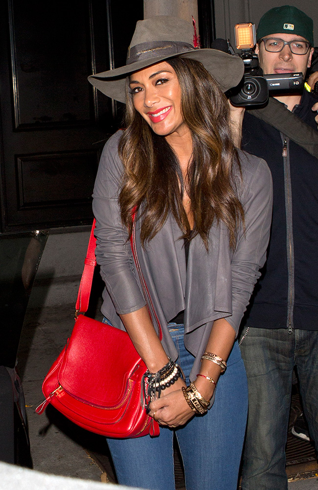 Nicole-Scherzinger-Tom-Ford-Jennifer-Bag