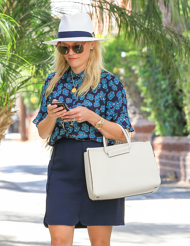 Reese-Witherspoon-The-Row-Classic-5-Tote