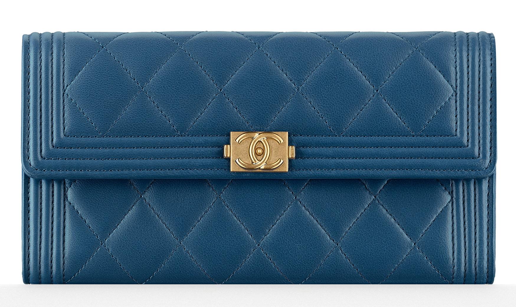 chanel-boy-flap-wallet-blue-1000