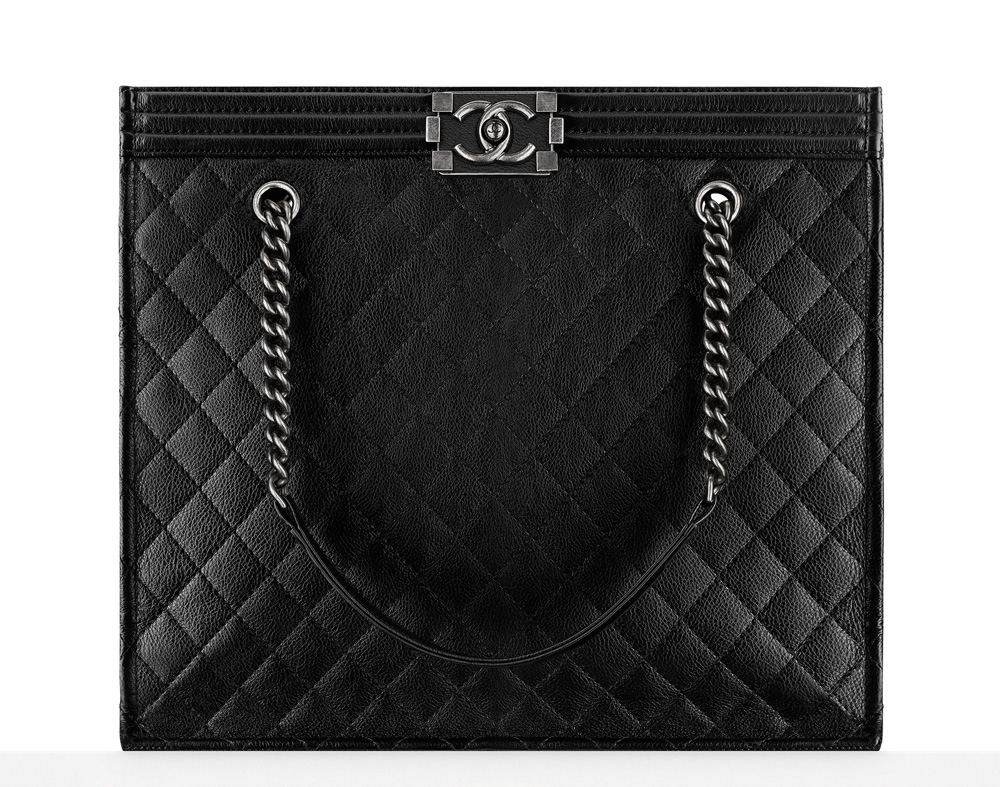 d3a036a8e879 Check Out 59 of Chanel's Beautiful Fall 2016 Bags, Complete with ...