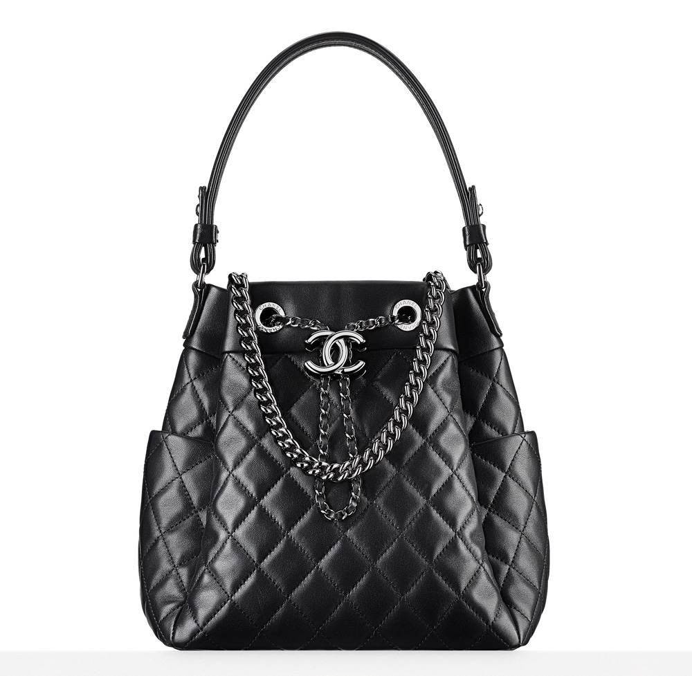 Check Out 59 of Chanel s Beautiful Fall 2016 Bags 1b7544b781d40
