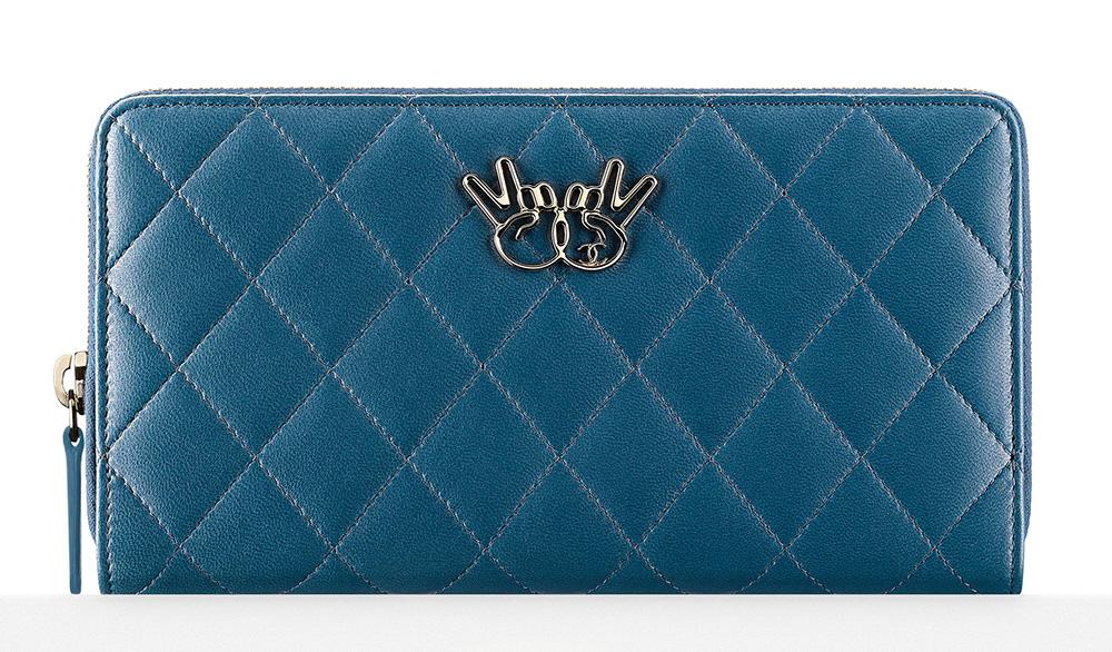 chanel-zipped-wallet-blue-950