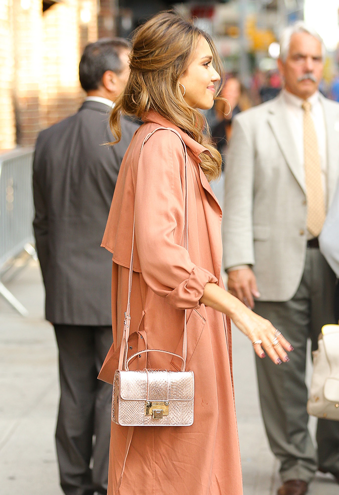 jessica-alba-jimmy-choo-rebel-bag