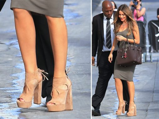 sofia-vergara-aquazzura-sexy-thing-platforms