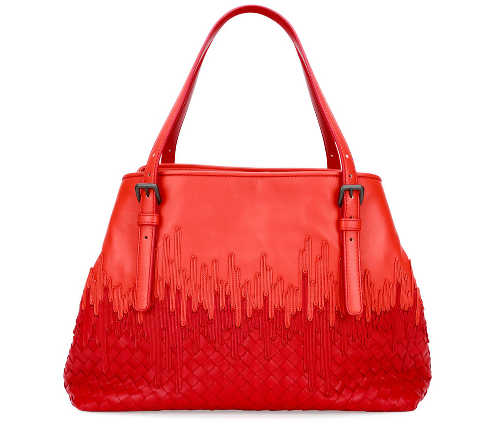 bottega-veneta-flow-wave-tote