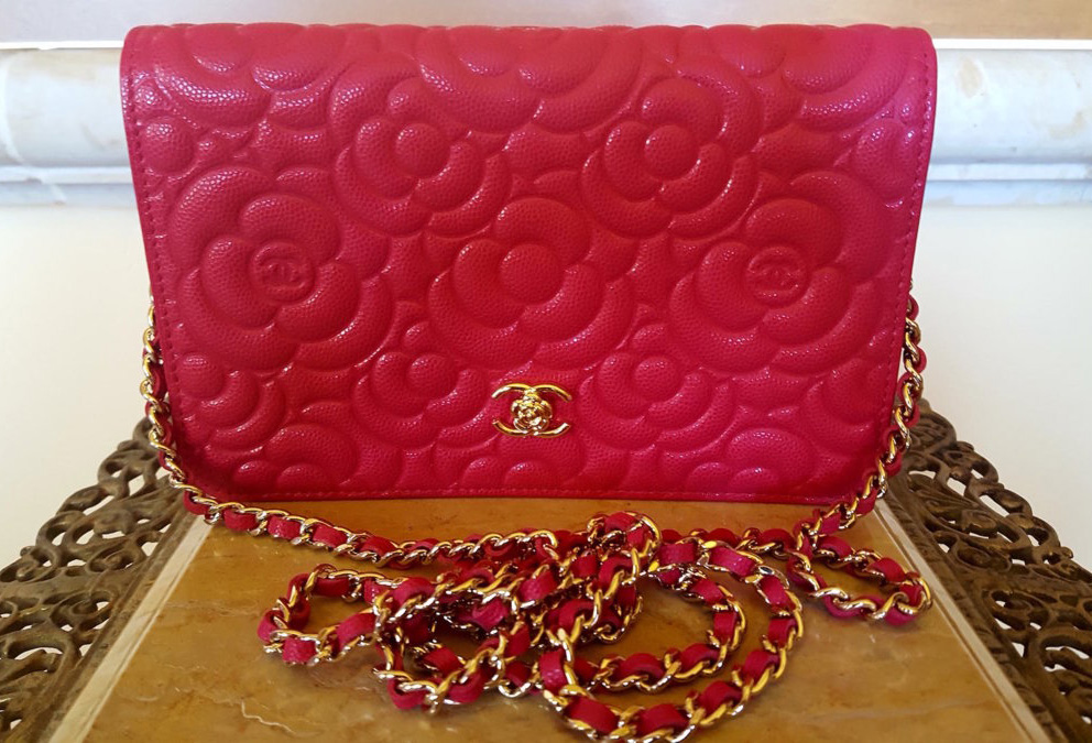 chanel-camellia-wallet-on-chain-bag