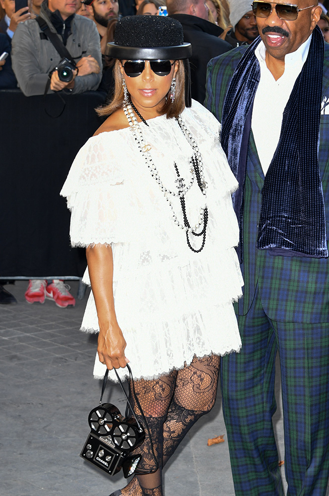 marjorie-harvey-chanel-camera-minaudiere