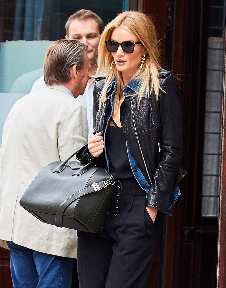 rosie-huntington-whiteley-givenchy-antigona-bag