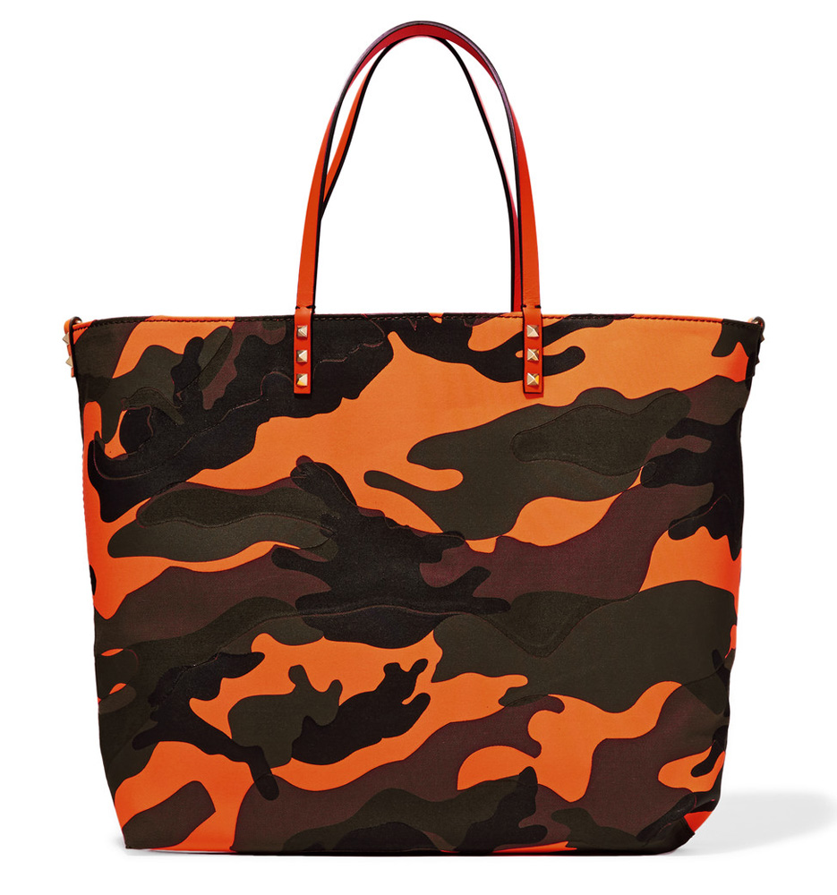 valentino-camouflage-easy-tote