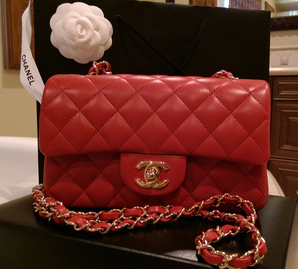 28bb0275624a84 Itty-Bitty Chanel Mini Bags Have Captured the Hearts of Our ...