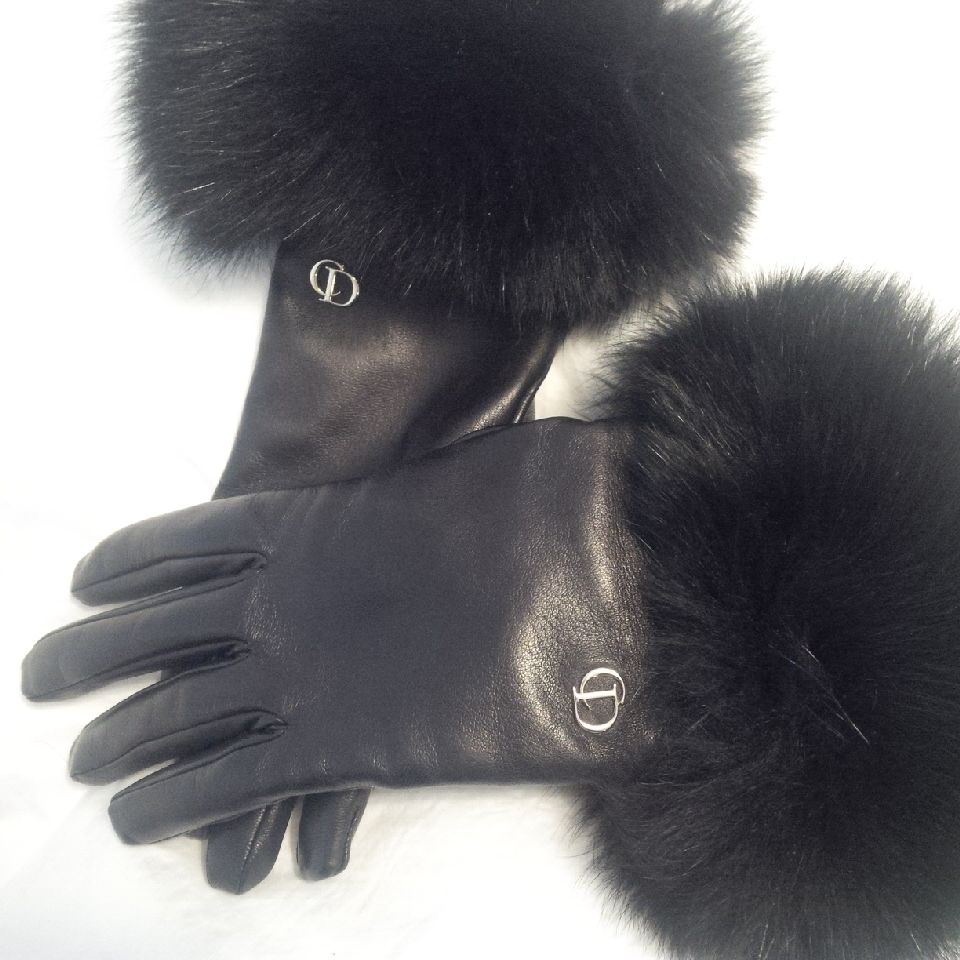 tPG Member: Panthere55  Gloves: Dior Leather and Fur Gloves