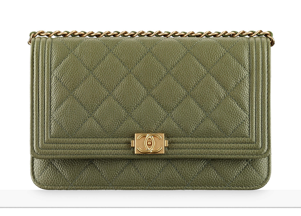 chanel-boy-wallet-on-chain-khaki-2100