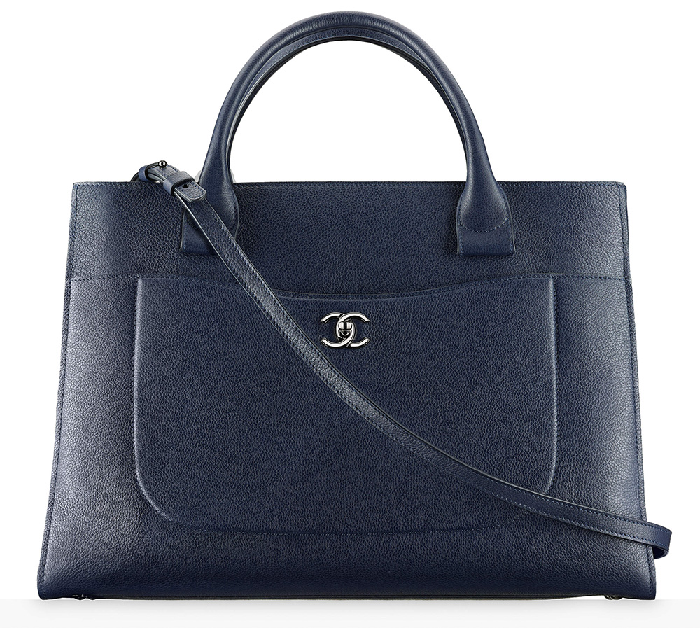 chanel-large-shopping-bag-navy-4300