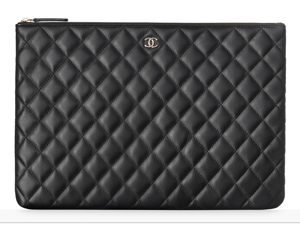 chanel-pouch-black-1100