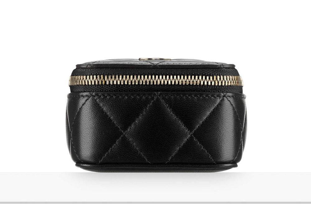 chanel-small-pouch-black-500
