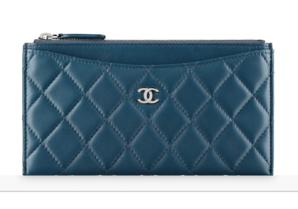 chanel-zip-pouch-blue-650