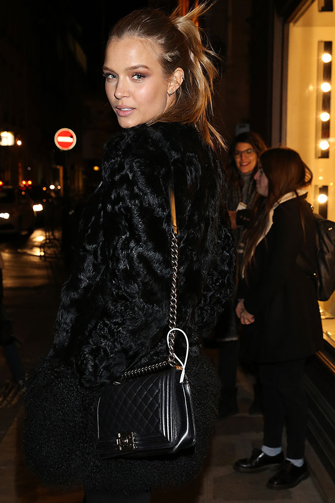 josephine-skriver-chanel-boy-bag