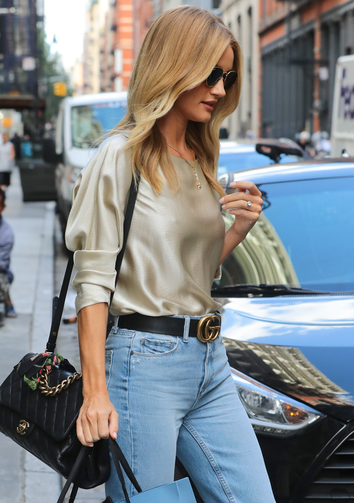 rosie-huntington-whiteley-chanel-flap-bag