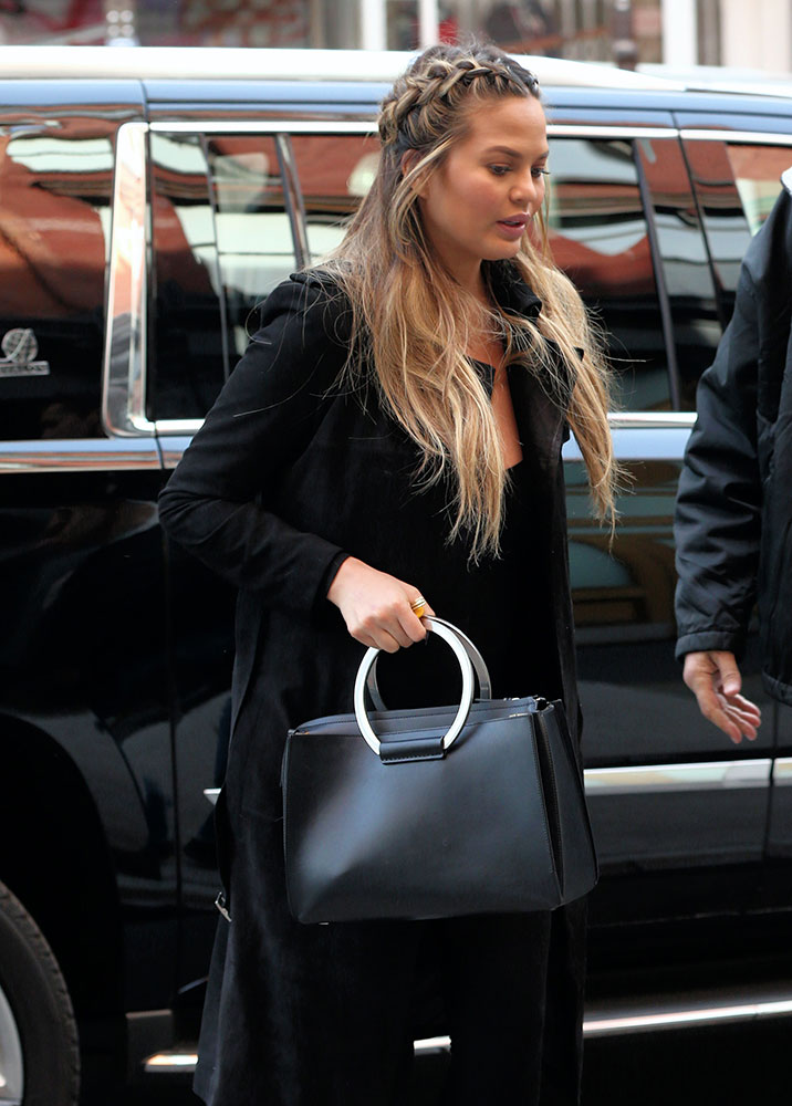 chrissy-teigen-the-row-classic-tote-black