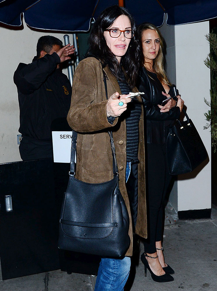 courtney-cox-the-row-sideby-shoulder-bag