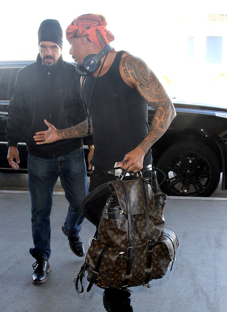 Celebs Bag Size Preferences Run The Gamut From Gucci Mini