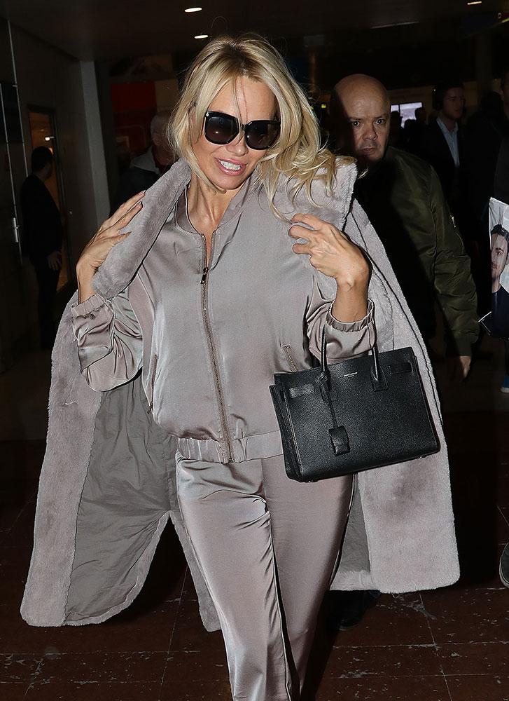 pamela-anderson-saint-laurent-baby-sac-de-jour-bag