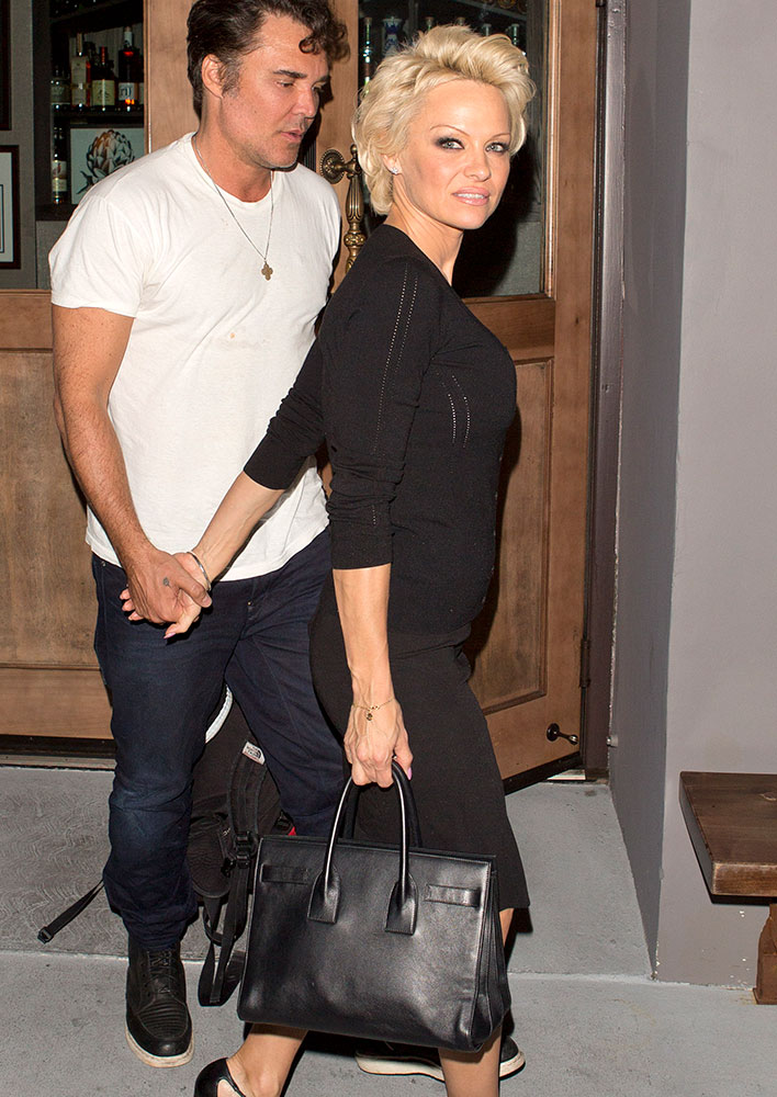 pamela-anderson-saint-laurent-small-sac-de-jour-bag
