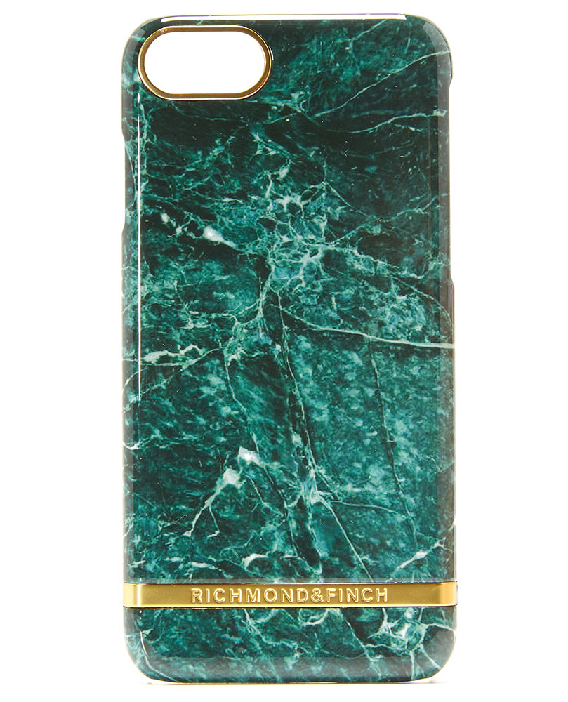 richmond-and-finch-marble-look-iphone-7-case