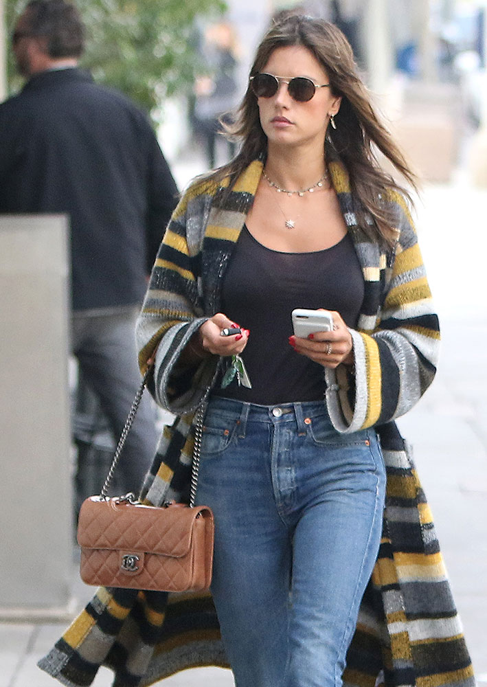 dca1fb88d322 Celebs Shape Up and Sup with Bags from Versace