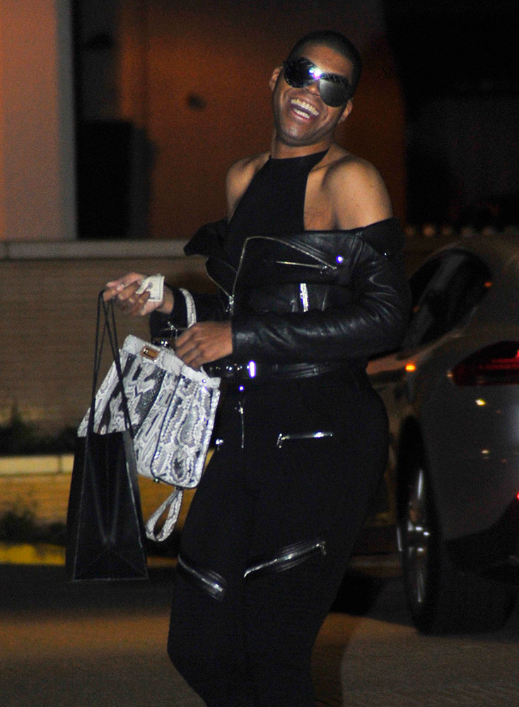 8754c733b35 45 Celebs Prove the Fendi Peekaboo is the Low-Key Luxury Bag That ...