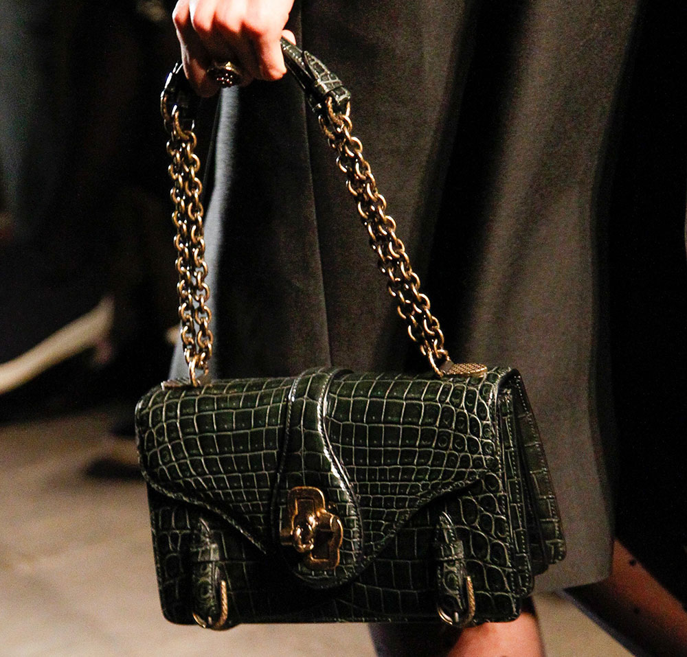 The 16 Best Runway Bags of Milan Fashion Week Fall 2017 - PurseBlog 1adcc1c860