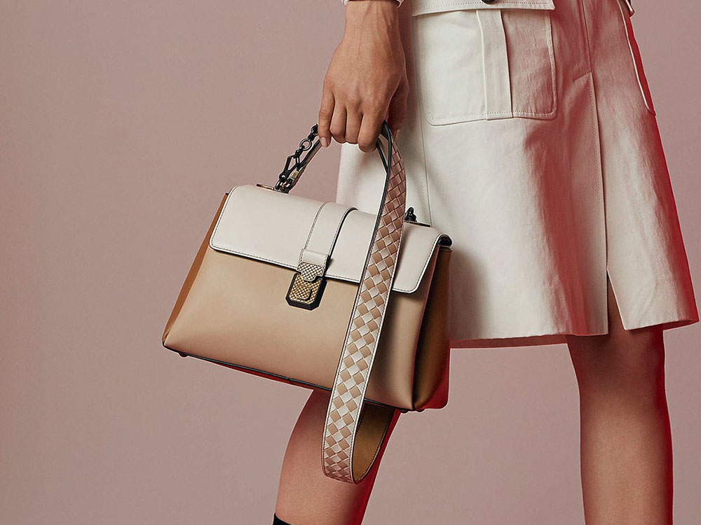 0f60b13010 Bottega Veneta Keeps Its Bags Simple and Super Chic for Resort 2018 ...