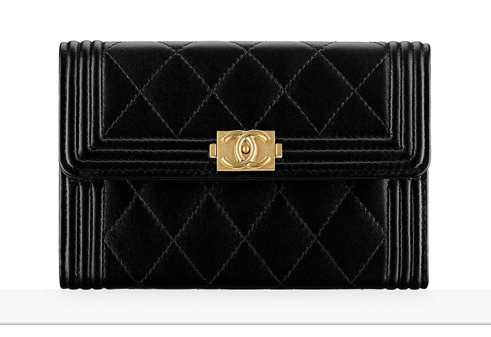 44560df48429a Chanel Debuts 60 New Wallets, WOCs and Small Leather Goods with ...
