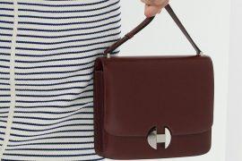Hermès Focuses on Its Newest Shoulder Bag on the Spring 2018 Runway